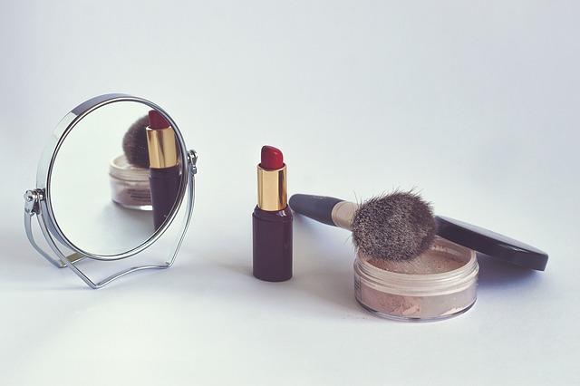 cosmetics-1543276_640
