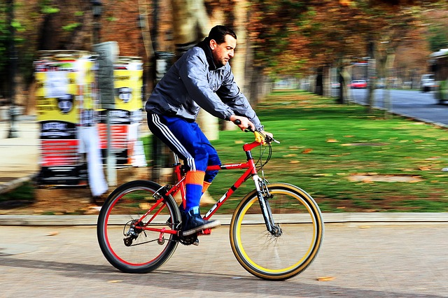 cyclist-942796_640
