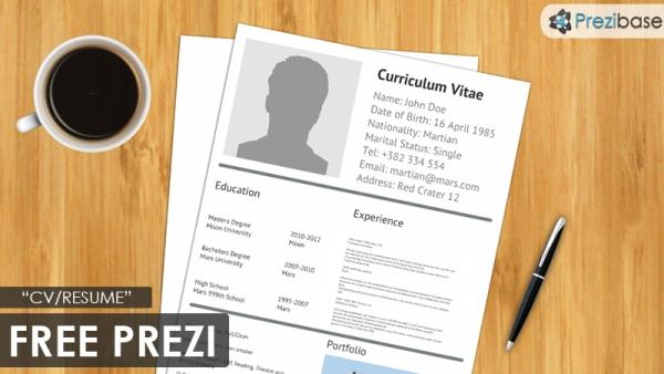free-cv-resume-prezi-template-on-desk