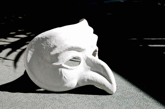mask-1636121_640
