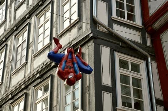 spiderman-515215_640